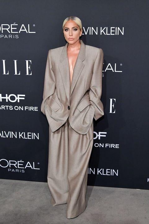 Suit, Clothing, Formal wear, Fashion, Pantsuit, Dress, Outerwear, Tuxedo, Premiere, Carpet,