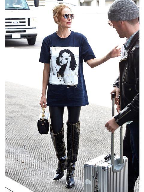 Clothing, Fashion, Tights, Shoulder, Street fashion, Footwear, Eyewear, T-shirt, Knee, Joint,