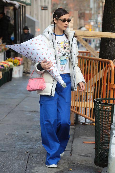 Clothing, Street fashion, Jeans, Denim, Fashion, Snapshot, Street, Outerwear, Textile, Trousers,