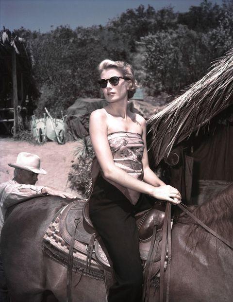 Eyewear, Photography, Sunglasses, Black-and-white, Glasses, Smile, Photo shoot,