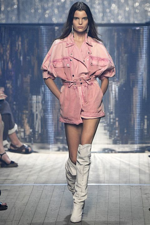 Fashion model, Fashion show, Fashion, Runway, Clothing, Pink, Shoulder, Beauty, Fashion design, Street fashion,