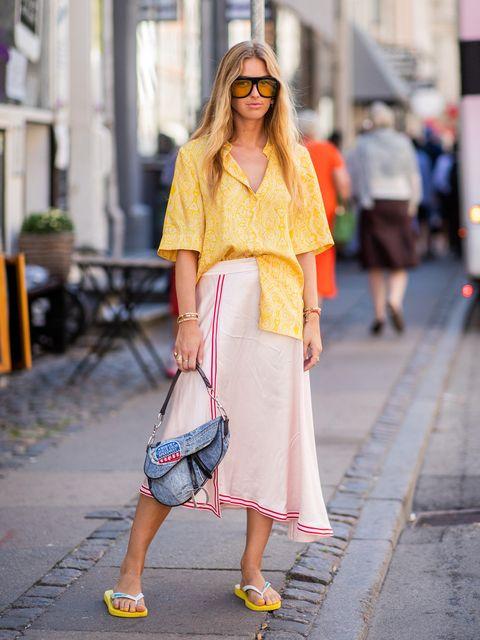Clothing, Eyewear, Vision care, Sleeve, Shoulder, Sunglasses, Textile, Bag, Outerwear, Street fashion,