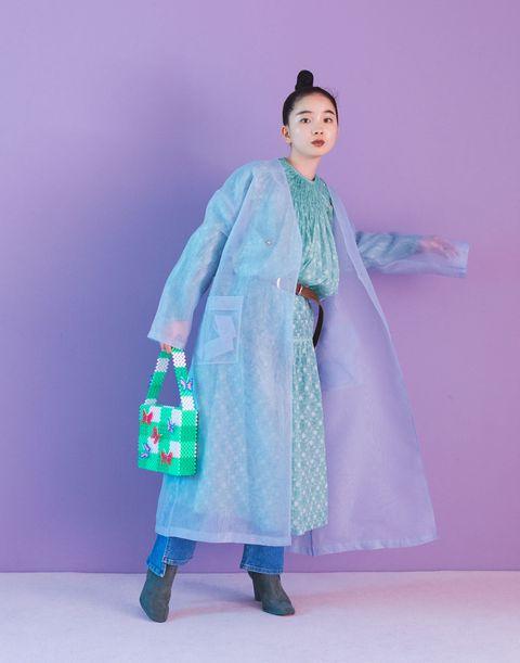 Sleeve, Textile, Costume design, Fashion, Street fashion, Fur, Costume, Fashion design, Fashion model, Vintage clothing,