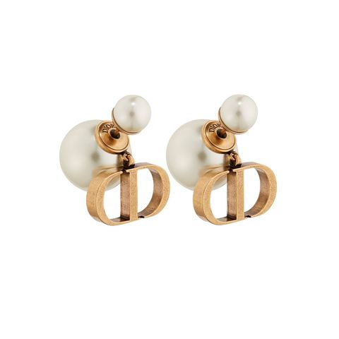 Metal, Circle, Brass, Natural material, Body jewelry, Earrings, Silver, Pearl, Ball, Bronze,
