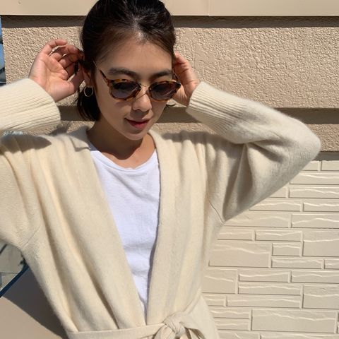 Eyewear, White, Sunglasses, Cool, Forehead, Glasses, Outerwear, Fashion, Vision care, Street fashion,