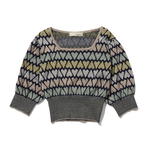 Clothing, Sleeve, Outerwear, Crop top, Blouse, Sweater, T-shirt, Top, Jersey, Wool,