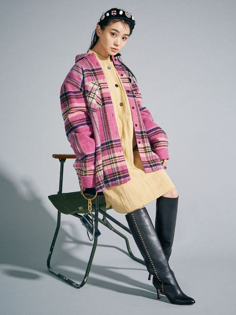 Clothing, Sleeve, Plaid, Textile, Tartan, Joint, Outerwear, Style, Pattern, Knee,