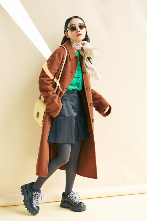 Style, Bag, Costume design, Costume, Costume accessory, Luggage and bags, Goggles, Belt, Fashion design, Scarf,