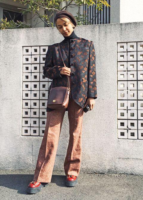 Street fashion, Clothing, Suit, Fashion, Blazer, Snapshot, Footwear, Outerwear, Formal wear, Jacket,