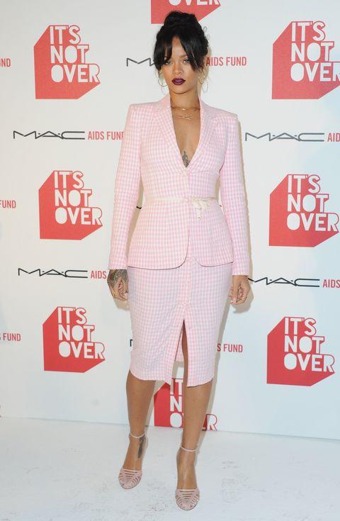 Sleeve, Red, Style, Blazer, Fashion, Fashion model, Knee, Bag, Fashion design, Ankle,