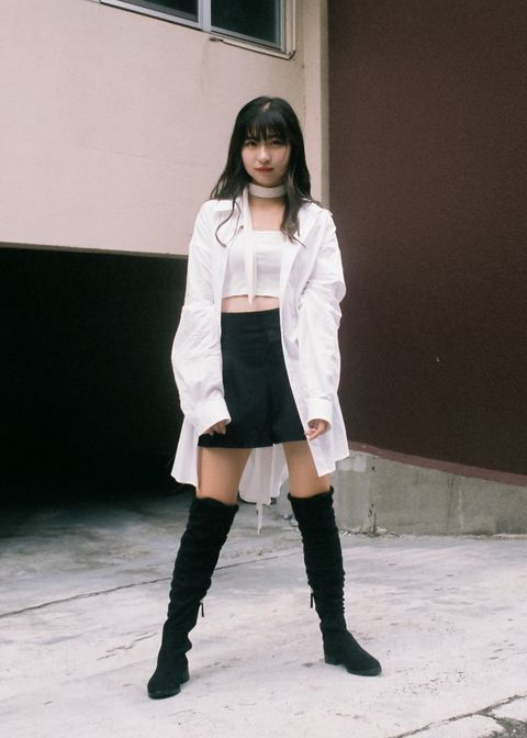 Face, Sleeve, Human leg, Joint, Outerwear, Boot, Style, Knee-high boot, Knee, Street fashion,