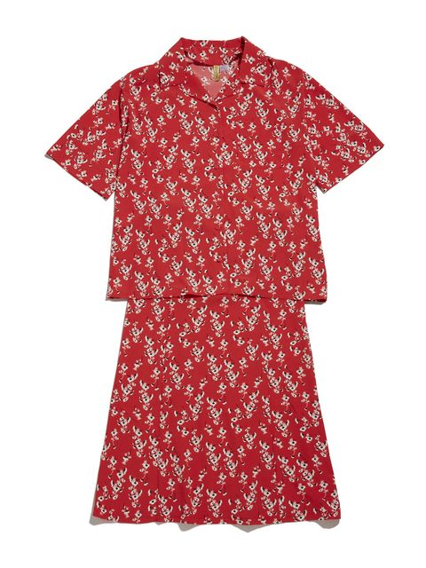 Clothing, Red, Day dress, Sleeve, Dress, T-shirt, Pattern, Pattern, Blouse, Top,