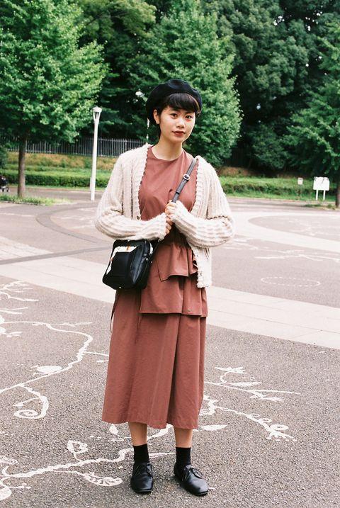 Street fashion, Photograph, Clothing, Snapshot, Fashion, Pink, Footwear, Outerwear, Shoulder, Beige,