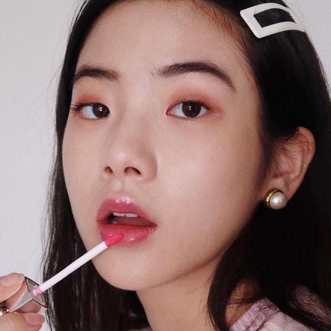Nose, Lip, Cheek, Mouth, Hairstyle, Skin, Chin, Forehead, Eyebrow, Eyelash,