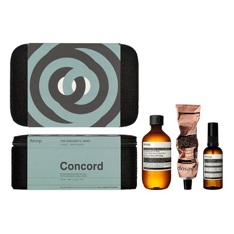Product, Beauty, Liqueur, Distilled beverage, Drink, Bottle, Brand, Perfume, Whisky, Label,