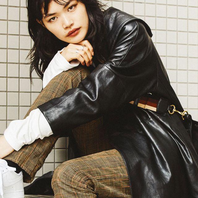 Clothing, Leather, Leather jacket, Jacket, Outerwear, Textile, Cool, Leg, Black hair, Photo shoot,