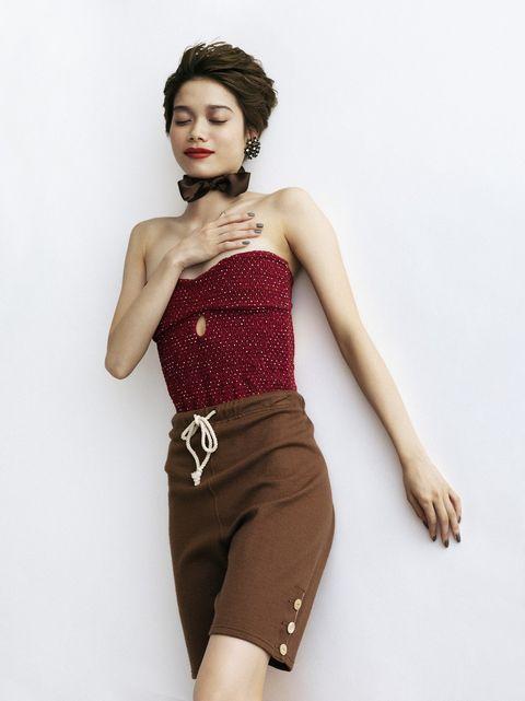 Clothing, Waist, Fashion model, Photo shoot, Fashion, Beauty, Skin, Model, Shoulder, Maroon,