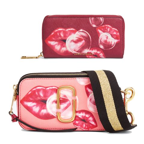 Bag, Pink, Coin purse, Fashion accessory, Handbag, Material property, Wallet, Zipper, Magenta, Wristlet,