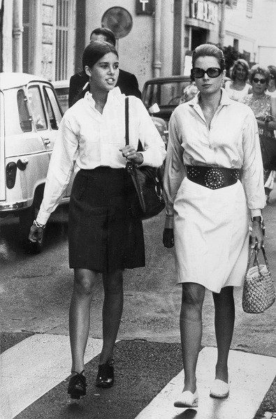 Footwear, Leg, Monochrome, Photograph, Hat, Standing, Monochrome photography, Black-and-white, Style, Uniform,