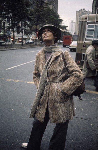 Standing, Coat, Hat, Street fashion, Street, Blazer, Overcoat, Snapshot, Fedora, Trench coat,