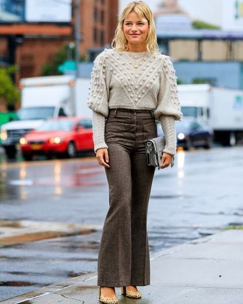 Clothing, Brown, Sleeve, Shoulder, Outerwear, Street fashion, Style, Bag, Street, Waist,