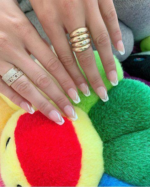 Finger, Green, Skin, Nail, Colorfulness, Jewellery, Ring, Nail care, Thumb, Nail polish,