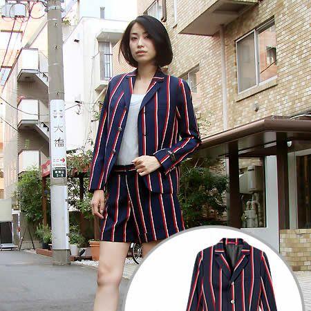 Window, Sleeve, Textile, Collar, Outerwear, Style, Street fashion, Pattern, Dress, Fashion,