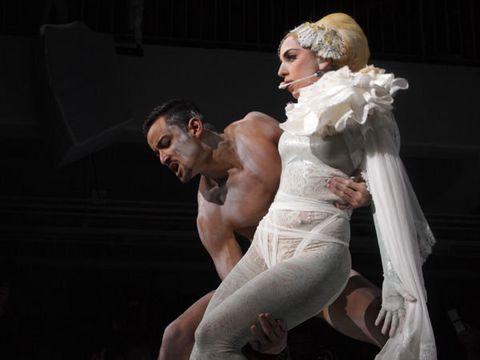 Muscle, Costume design, Chest, Drama, Animation, Costume, Acting, Dancer, Abdomen, Scene,