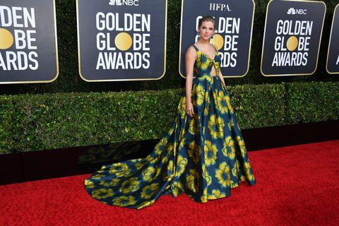 Yellow, Green, Dress, Flooring, Carpet, Style, Logo, One-piece garment, Premiere, Day dress,