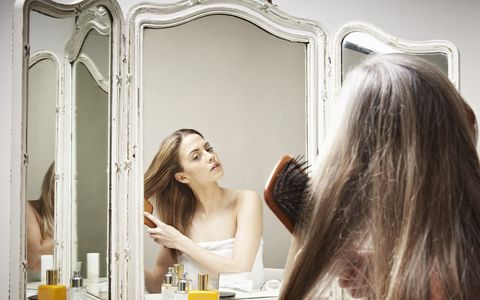 Hair, Photograph, Long hair, Beauty, Hairstyle, Skin, Yellow, Blond, Mirror, Brown hair,