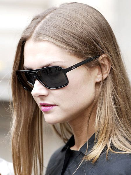 Clothing, Eyewear, Glasses, Vision care, Lip, Hairstyle, Chin, Sunglasses, Goggles, Collar,
