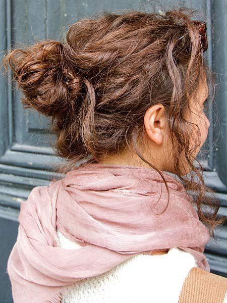 Hairstyle, Shoulder, Style, Brown hair, Back, Long hair, Blond, Painting, Hair coloring, Bun,