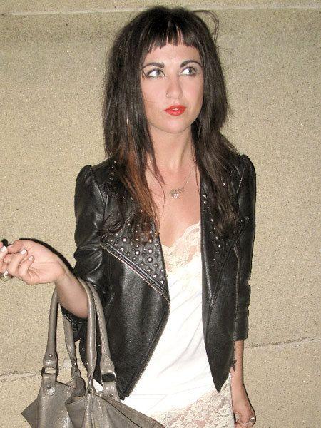Hairstyle, Textile, Outerwear, Bag, Jacket, Street fashion, Fashion, Blazer, Black hair, Eyelash,