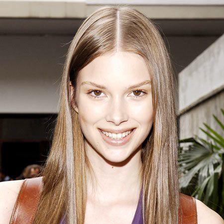 Lip, Hairstyle, Eyebrow, Sleeveless shirt, Facial expression, Style, Eyelash, Beauty, Blond, Long hair,