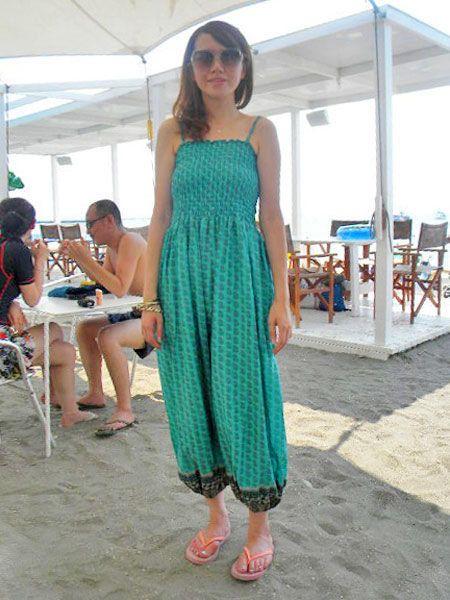 Leg, Shoulder, Dress, Joint, Sunglasses, Summer, One-piece garment, Teal, Aqua, Chair,