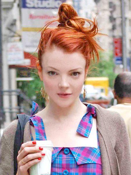 Ear, Lip, Hairstyle, Plaid, Style, Red hair, Street fashion, Tartan, Eyelash, Fashion,