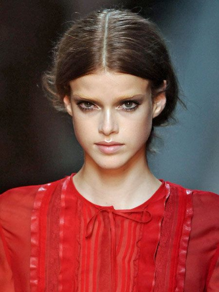 Hair, Ear, Nose, Lip, Hairstyle, Forehead, Eyebrow, Eyelash, Style, Fashion model,