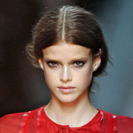 Hair, Ear, Nose, Lip, Hairstyle, Forehead, Eyebrow, Eyelash, Style, Model,