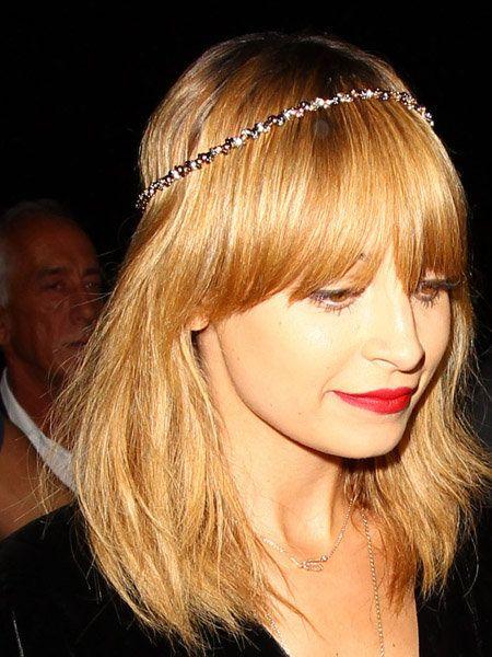 Lip, Hairstyle, Chin, Forehead, Eyebrow, Hair accessory, Headpiece, Style, Eyelash, Headgear,