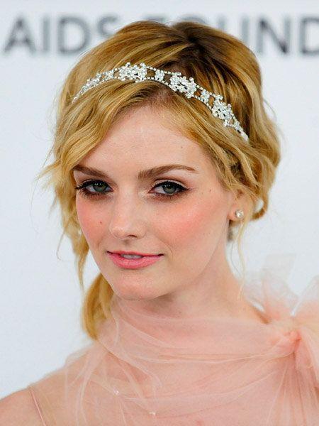 Lip, Hairstyle, Chin, Forehead, Eyebrow, Bridal accessory, Hair accessory, Eyelash, Headpiece, Style,