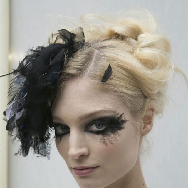 Lip, Hairstyle, Chin, Forehead, Shoulder, Eyebrow, Eyelash, Style, Jaw, Beauty,