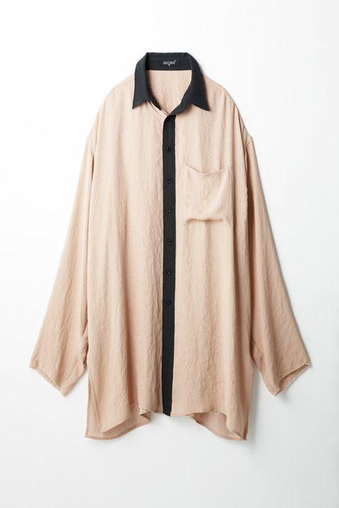 Collar, Sleeve, Textile, Outerwear, Clothes hanger, Fashion, Beige, Fashion design, Costume design, Costume,
