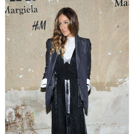 Sleeve, Collar, Coat, Style, Formal wear, Street fashion, Blazer, Overcoat, Fashion model, Fur,