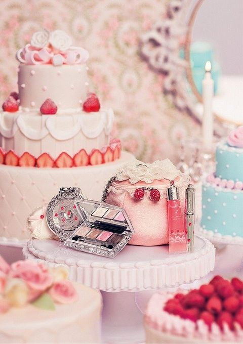 Sweetness, Food, Cuisine, Cake, Dessert, Ingredient, Baked goods, Red, Pink, Cake decorating,