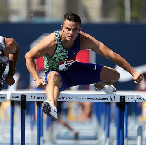 Sports uniform, Track and field athletics, Hurdle, Shoe, Sportswear, Human leg, Hurdling, Jumping, Sport venue, Obstacle race,