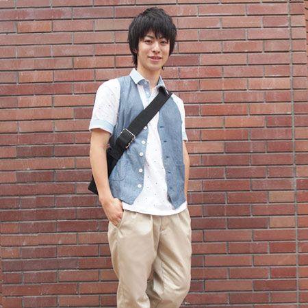 Dress shirt, Brick, Sleeve, Collar, Shirt, Shoe, Style, Brickwork, Street fashion, Cool,