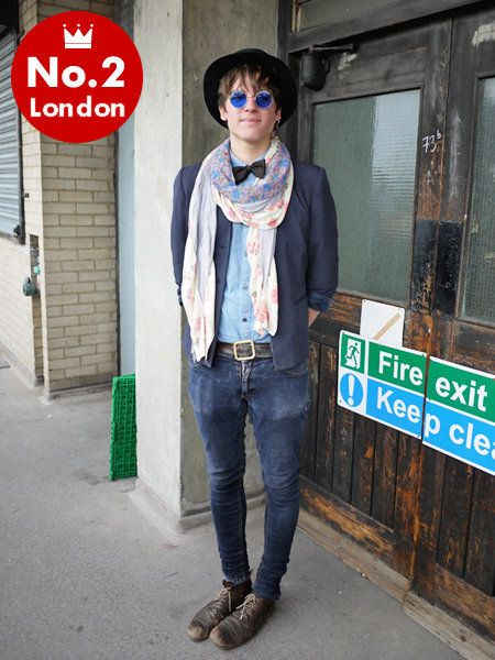 Clothing, Blue, Denim, Jeans, Textile, Outerwear, Hat, Style, Street fashion, Goggles,