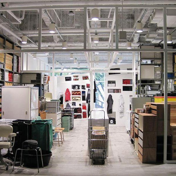 Lighting, Floor, Ceiling, Interior design, Machine, Shelving, Shelf, Service, Aisle, Box,