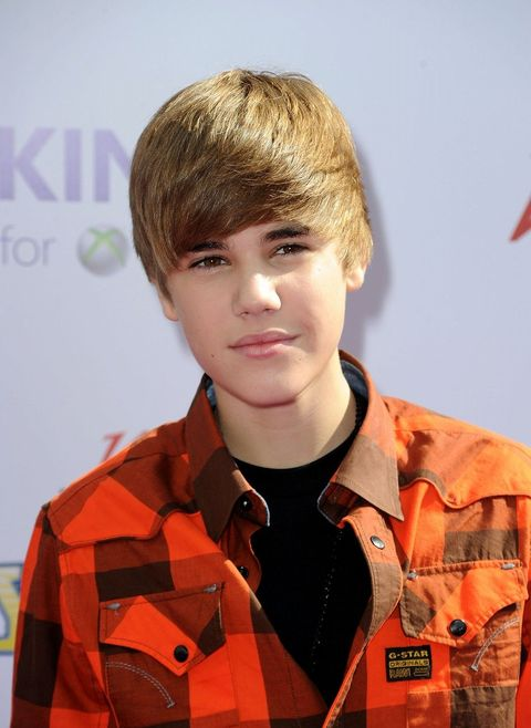 Hairstyle, Collar, Forehead, Dress shirt, Style, Jaw, Bangs, Eyelash, Brown hair, Blond,