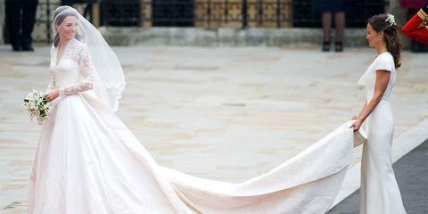 Wedding dress, Gown, Dress, Clothing, Bridal clothing, Bride, Bridal accessory, Fashion, Veil, Textile,